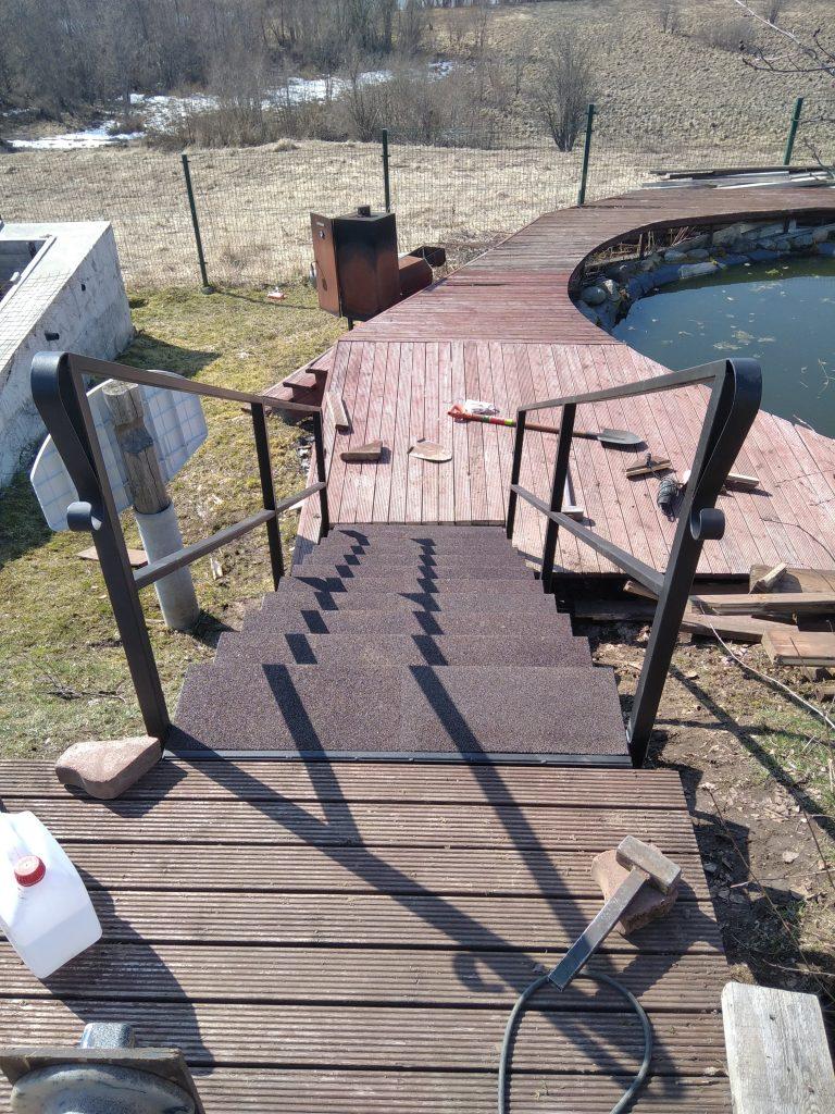 Лестница на участке