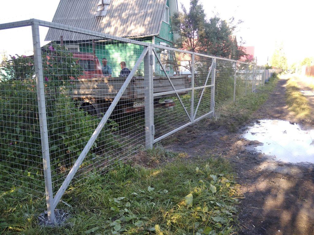 Забор из сетки ворота